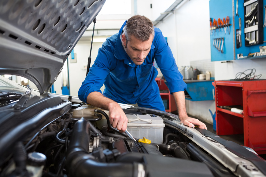 Coventry MOT Centre Servicing Cars